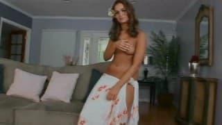 Prostituta basileira em seu primeiro vídeo pornô