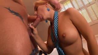 Secretária dá sexo a chefe para liberar o estresse