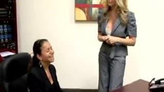 Uma secretaria que vai tomar pau na bunda