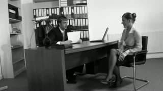 Secretária fode com seu patrão no escritório