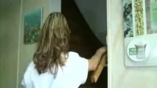 Massagista francês suga uma pau de um paciente