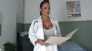 Enfermeira que gosta de divertir