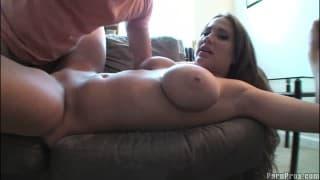 Alanah Rae num video amador