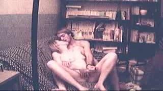 Uma amadora fode seu namorado na frente das câmeras