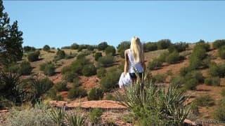 Emma Mae- Um pouco de siririca ao sol