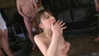 Aiko Hirose gosta de ter alguns paus só para ela