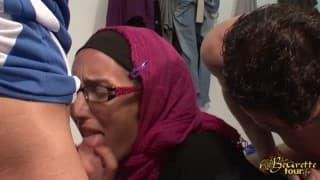 Dupla penetração para uma árabe gulosa