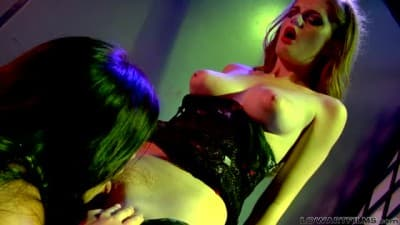 Cena lésbica com Alyssa Reece e Faye Reagan
