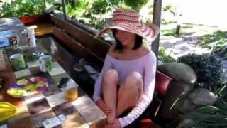 Casal amador- gozando gostoso sob o calor do sol