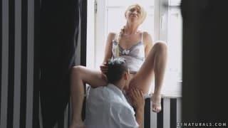 Lindsey Olsen fodida no fetiche dos pés