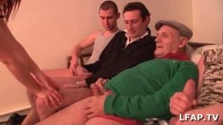 Vadia francesa toma 4 machos
