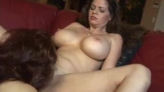 Sexy Vanessa e June Summers!