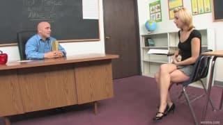 Lexi Belle- Ela ama seu professor!