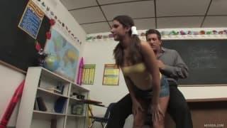 Tiffany Summers fodida por seu professor