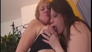 Mulheres que se masturbam no calor
