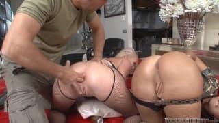 Duas estrelas porno em treinamento militar com Rocco