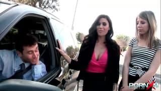 PornXN duas belas vadias fodidas por James Deen