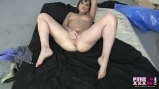 Uma morena gata em uma cena de sexo para a PureXXXFilms