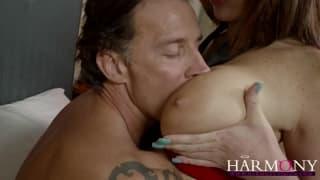 HarmonyVision- Ruiva em lingerie tomando na buceta