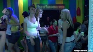 Uma festa sexual maravilhosa por PartyHardcore
