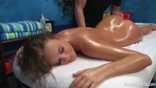 Alexis Adams recebe uma massagem especial em sua buceta