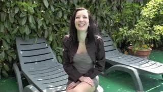 Natacha é uma prostituta francesa que sabe como se divertir
