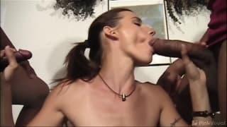 Cherie é uma prostituta que ama fazer sexo