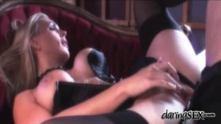 Tanya Tate tem uma sessão de sexo elegante