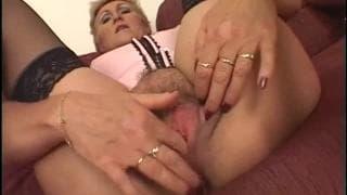 A vovó tem um monte de energia para o sexo