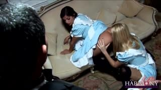 Donna Bell e Black Angelika chupam muito pau