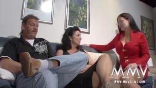 A terapeuta sexual que ajuda um casal coroa