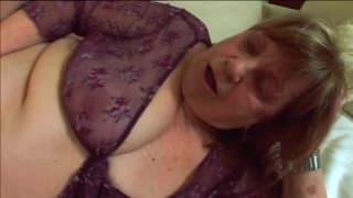 Vovó Dominika é uma velha safada muito sexual