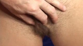 Gloria DeFrancesco toma esperma na buceta peluda