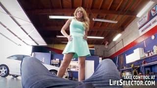 Cinco atrizes pornô fodendo na garagem
