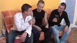Estes três gays sabe como desfrutar