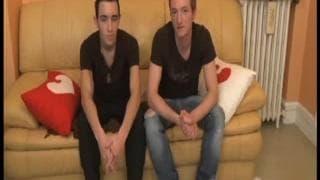 Dois gays se mamando em um casting pornô
