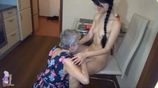 Jitka vai adorar divertir-se em modo feminino