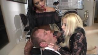 Christina Bella diverte-se com Jessie Volt
