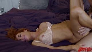 Veronica Avluv faze sexo com muita energia