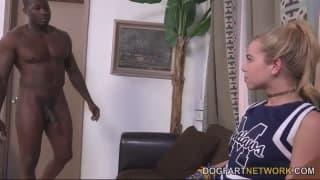 Alina West adora chouriço negro e largo