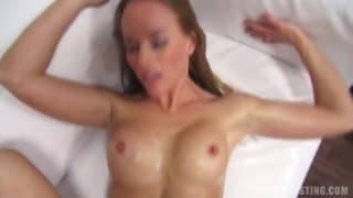 Lucie passa num casting porno !