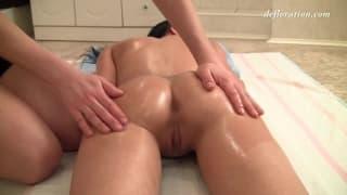 Uma deliciosa massagem para Jacqueline Anare