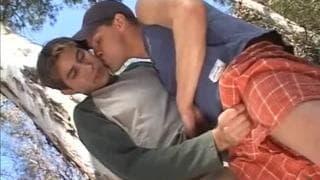 Brad Benton e Mich Angelo brincam juntos
