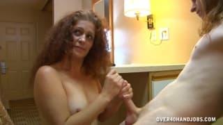 Lisa Browns masturba o homem