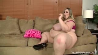 Mandy Majestic enorme pornstar em açao!