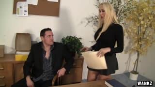 Alana Evans é uma secretaria muito sexy