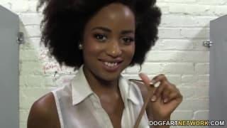 Ivy Sherwood é uma negra gostosa
