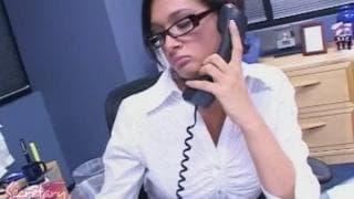 Uma secretaria aborrecida que vai brincar