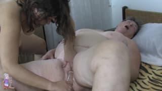 velhas no sexo sexo entre mulheres