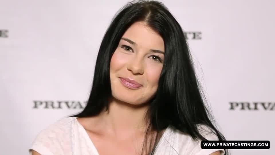 Lucy Li faz maravilhas neste casting pornô - BoaFoda